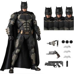 $enCountryForm.capitalKeyWord NZ - MAFEX 056 Batman Tactical SUIT Ver. The Dark KNight DC Justice League PVC Action Figure Collectible Model Toy 16cm
