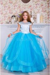 5a7e574612d Кружевное кружевное платье для девочек с цветочным принтом и прозрачным  вырезом с рукавами Маленькая девочка Свадебные платья Красивые детские ...