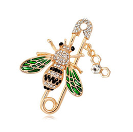 3e06f8820b0 Fashion Crystal Brooches Lapel Pin Pins Accessories Enamel Green Bee Women  Wedding Brooch Pins Jewelry Corsage Gift Bride Wedding