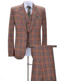 Ingrosso 2019 New Orange Plaid da uomo Tute da 3 pezzi Tacca formale da uomo bavero Smoking da sposo per matrimonio (Blazer + gilet + pantaloni)