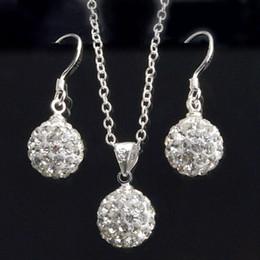 7e690a39898d Nueva joyería elegante conjunto de moda de la bola de cristal blanco pendientes  de gota collar colgante conjunto para las mujeres
