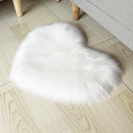 6cm plush Canada - Imitation wool lovely girl series heart-shaped soft carpet, about 6cm plush heart-shaped floor mat, living room bedroom love pad