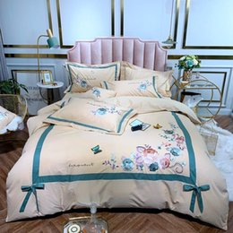embroidered flower pillow cover UK - Blooming Flower Embroidery Duvet Cover Set Pink White 4Pcs 100% Cotton Ultra soft Bedding Set Queen King Bed sheet Pillow shams