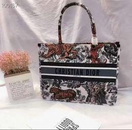 $enCountryForm.capitalKeyWord Australia - Lowest price Women's Bags handbag leather Ladies designer wallet retro new famous fashion ladies dumpling free shippping wallets purse A013
