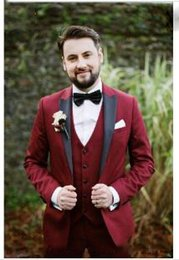 bright suits Australia - Bright Color Red Peaked Lapel One Button Custom-Made Men's Suits Three Pieces (Jacket+Pant+Vest) Bridegroom Wedding Suits Prom Dinner Wear