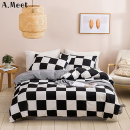 grid comforter NZ - Black And White Bedding Set Grid Lattice Bed Linen Simple SummerDuvet Sets Cover King Size Comforter Queen Twin Bedroom Luxury T200615