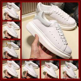 $enCountryForm.capitalKeyWord Australia - Black White Platform Classic Casual Shoes Casual Sports Skateboarding Shoes Men Women Sneakers Velvet Heelback Dress Shoe Sports Tennis