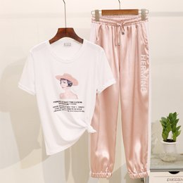 Graphic Tee Ladies Australia - Summer 2019 New Women T shirt Fashion Beading Print Short sleeve Graphic Tees Women Loose Casual Ladies Tracksuits Two Piece Set