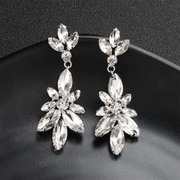 Ingrosso Le più nuove donne di modo Orecchini lungo argento chiaro cristallo austriaco fiore ciondola gli orecchini sposa gioielli sposa JCC059