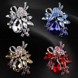 Pin Wedding Dresses Australia - New Women's Bouquet Jewelry Brooch Luxury Dress Costume Shiny Beads Drop Clear Crystal Rhinestone Party Wedding Bridal Gift Brooches Pins