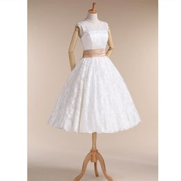 $enCountryForm.capitalKeyWord Australia - 2019 Real Photo White Lace Country Wedding Dresses Elegant Knee Length V Neck Beach Bridal Gowns With Belt Custom Plus Size Wedding Gowns