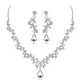 Led Wedding Accessories UK - hair accessories for women tiara crowns Shiny high-end crystal diamond necklace set Bride wedding necklace earrings two-piece factory direct