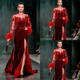 long beige maternity dresses 2021 - Red Velvet Formal Evening Dresses With Feather Long Sleeves Side Split Prom Party Gowns Custom Made Red Carpet Celebrity Gowns