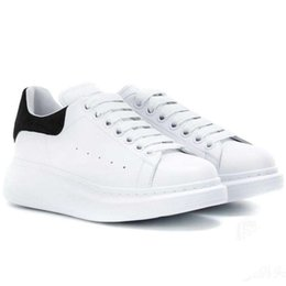 $enCountryForm.capitalKeyWord Australia - New Designer Brand White Casual Shoes For Women Men Suede Tail Top Quality Leather Lace-up Fashion Sneakers Cheap Sale