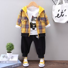 $enCountryForm.capitalKeyWord NZ - Autumn Baby Boy Long Sleeve Cartoon Print T-shirt and Plaid Zipper Hoodie Coat and Solid Color Trousers 3pcs Casual Outfits