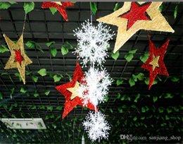 $enCountryForm.capitalKeyWord Australia - 2018 Merry Christmas Tree Snowflake Plastic Market Hotel Display Window Ornaments Snow Flakes Decoration Xmas Festive Party Supplies