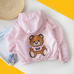 HOT 2019 chaquetas de las muchachas del verano cremallera Cazadora niños ropa de protección solar Moda Little Bear ropa de abrigo informal para niñas en venta