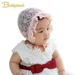 new born accessories 2019 - Sweet Lace Baby Girl Hat Newborn Fotografia White Pink Summer Infant Bonnet Baby Cap Accessories for New Born to 12 Mont