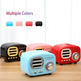 Pink Radios Australia - Retail HiFi Retro Wireless Bluetooth Speakers Radio BT02 Retro Cute Mini Bass With TF Card Interface Bluetooth V4.2 Speaker Innovative Gift
