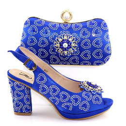 $enCountryForm.capitalKeyWord Australia - 2019 Special Design Mature Style Shoes And Bags Set African Fashion Shoes And Hand Bag Set For Wedding Dress in Royal Blue Color