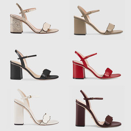 Toptan satış Yeni Lüks yüksek Topuklu Deri sandalet süet orta topuk 7-11 cm kadın tasarımcı sandalet yüksek topuklu yaz Seksi sandalet ...
