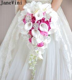 JaneVini Cachoeira Rosa Flores De Casamento Bouquets De Noiva Pérolas Artificiais De Cristal Buquês De Casamento HandHold Bouquet De Mariage Rose 2019 venda por atacado
