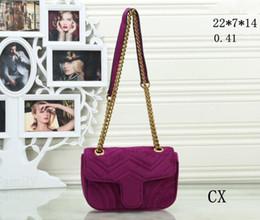 Discount velvet design women - Hot fashion European and American design ladies bag shoulder diagonal chain fashion style ladies velvet handbags free de