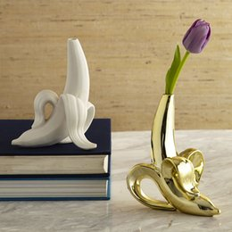 Wholesale Scandinavian Creative Home Ceramics Matte White Gold Banana Pendant Vase Floret Tabletop Small Mouth Vase Flower Jar Home Decor Y19062803