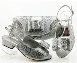 $enCountryForm.capitalKeyWord Australia - Beautiful silver women dress shoes and bag with rhinestone bowtie style african Med shoes match handbag set MM1091,heel 3.5CM