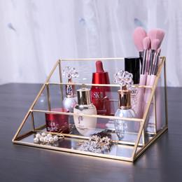 Ingrosso Triangolo nordico Display Stand bagno Make Up Brush Lipstick Organizzatore 3 strati di vetro di trucco dell'organizzatore della decorazione della casa Gadget