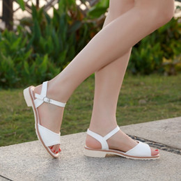 $enCountryForm.capitalKeyWord UK - Wholesale Fashion Summer Block Low Heel Buckle Strap Fashion man made Leather Sandals for Women and Ladies Summer Shoes