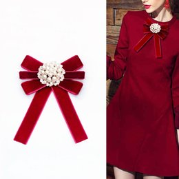 $enCountryForm.capitalKeyWord Australia - Free Shipping New fashion woman female Retro Pearl Bow Tie Brooch Solid Color Velvet Antique Fabric Corsage Pin Up Shirt