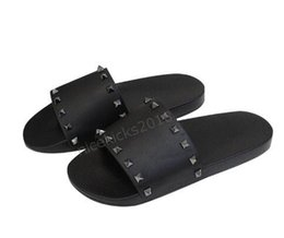 Stud Spike heelS online shopping - Men Women Slippers with Box Luxury Designer Ladies Beach Slipper Tide Male Rivet Stud Slippers Non slip Leather Mens Casual Spikes Shoes