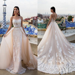 $enCountryForm.capitalKeyWord Canada - Robe de mariage New Amazing Long Wedding Dresses 2019 Crew Neck Cap Sleeve Chapel Train A-Line Lace Bridal Gowns With Removable Train