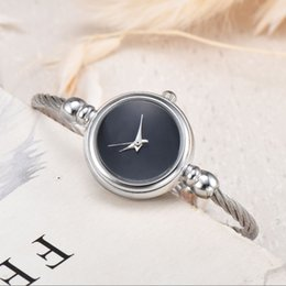 China U1 Factory wholesale Woman Quartz watches classic Style Stainless steel strap fashion feminine gift Casual girl watch wristwatches womens suppliers