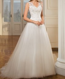 $enCountryForm.capitalKeyWord Australia - 2019 Elegant White Organza Beach Wedding Dresses Custom V Neck Bridal Dresses Sweep Train Backless Country Wedding Gowns Vestido de Noiva