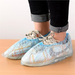 plastic carpets UK - Disposable Plastic Shoe Covers Protective Boot Covers Homes Overshoes Resists Water Dirt and Mud Protecting Carpeting And Floors JK2004