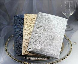 Cartões do convite do casamento de 100x Glittler com impressão personalizada costume do envelope em Promoção