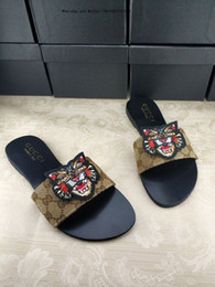 Heels For Men NZ - Women Sandals High Heels Shoes 2019 Fashion slipper with box flip flops for men leather slippers-men