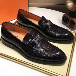 Venta al por mayor de Zapatos de hombre de alta calidad zapatos de negocios de moda zapatos casuales de calidad superior 38-45 de gama alta personalizados (con caja)