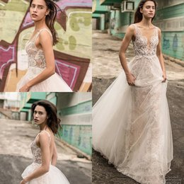 Discount flowing wedding dress sheer - Liz Martinez 2019 Beach Sheath Wedding Dresses Vintage Lace Tulle Sexy V-neck Backless Flowing Flare Train Garden Countr