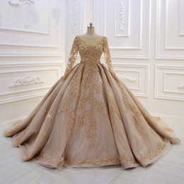 Castle models online shopping - Luxury Lace Appliqued Short Sleeves Ball Gown WEdding Dress Vintage Champagen Sequined Plus Size Bridal Gown