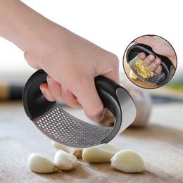 $enCountryForm.capitalKeyWord Australia - Manual Garlic Presser Stainless Steel Curved Garlic Ginger Grinding Slicer Chopper Garlic Presses Cooking Gadgets Kitchen Tools