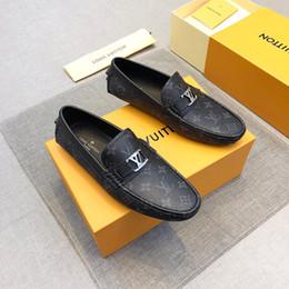 Ingrosso 2020 nuovo arrivo designer uomini d'oro piatto nero dorato formale patchwork scarpe in pelle PU uomo casual scarpe per scarpe da uomo vestito