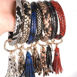 yellow leather bracelet for men 2020 - Explosion Wristlet Keychain Bracelet Bangle Keyring - Large Circle Key Ring Leather Tassel Bracelet Holder For Women Gir