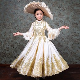 $enCountryForm.capitalKeyWord Australia - Customized 2018 White Children Evening Party Dresses Medieval Gold Appliques Birthday Party Ball Gowns Costumes