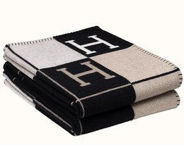 Large hand toweLs online shopping - New Signature H Blanket Home Travel Winter Cashmere Scarf Shawl Warm Everyday Blankets Large cm Gray Brown Orange Black Pink Green
