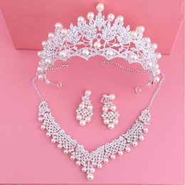 bridal crown tiara necklace earrings set Canada - Fashion Crystal Pearl Wedding Bridal Jewelry Sets Women Bride Tiara Crowns Earring Necklace Set Wedding Hair Jewelry Accessories