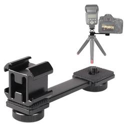 """Toptan satış Üçlü Soğuk Ayakkabı Dağı 1/4"""" -20 Tripod Vida LED Video Işığı Uzatma Standı Parantez Gimbal Sabitleyici Mikrofon Standı Rig Parantez CompatibL"""