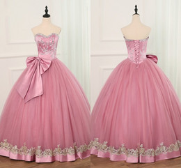$enCountryForm.capitalKeyWord Australia - Big Bow Gold Applique Ball Gown Prom Dresses Crystal Beads Sequins Sweetheart Sweet 16 Dress Quinceanera Party Gowns Graduation Dress Long